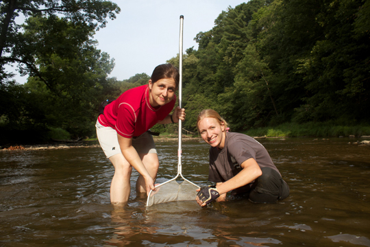 Kim and Barb searching for hellbenders. Photo courtesy of Brian Gratwicke.